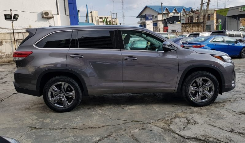 2017 Toyota Highlander Limited Platinum / Gray / AWD / Panoramic Roof / Surround Cameras / Fully Loaded!!! full