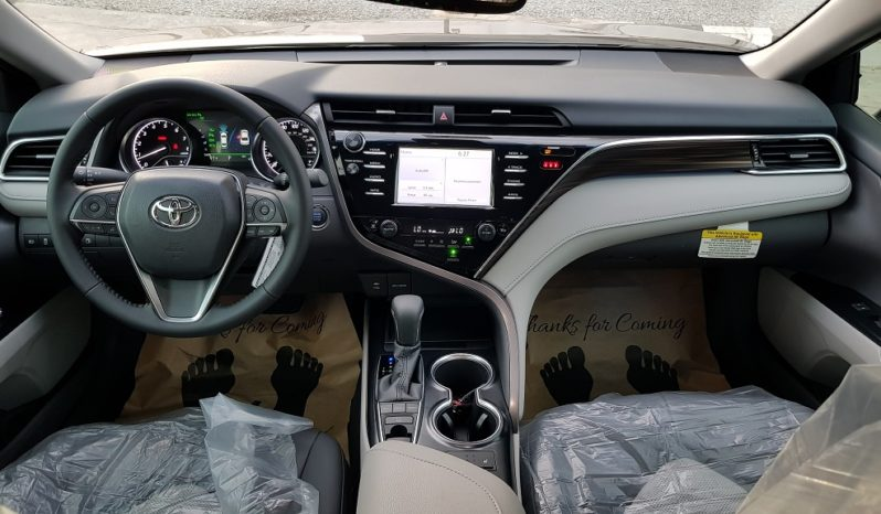 2018 Toyota Camry XLE – 4Cyl. Engine / Gray full