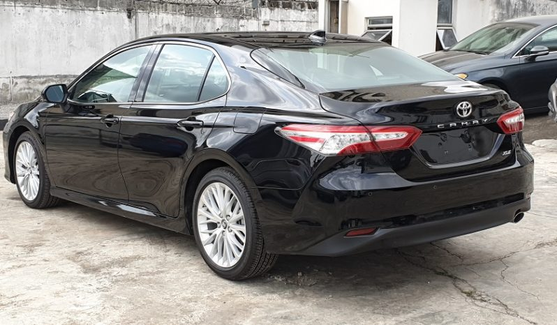 2018 Toyota Camry XLE Premium / Tech. Package / Black full