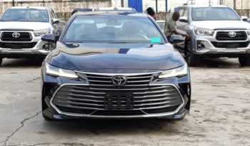 2019 Toyota Avalon Limited / HUD / Surround Cameras / Driver Assist & Technology Package / Midnight Black Metallic / Gray Leather Trim full