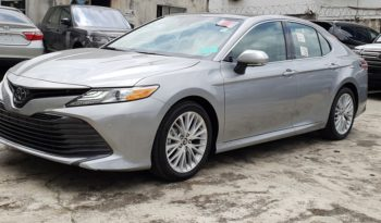 The New Toyota Camry XLE 4Cyl-2.5L Engine / Driver Assist Package / Technology Package / Celestial Silver Metallic full