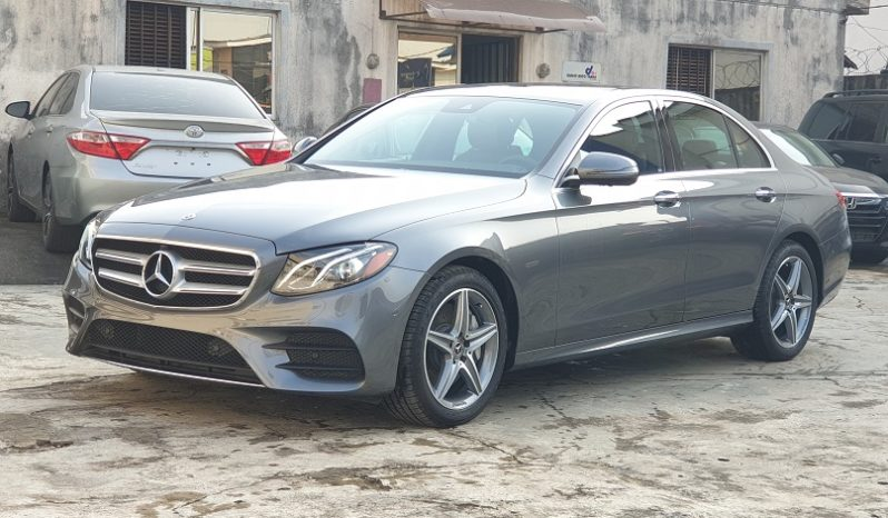 2019 Mercedes Benz E300 4Matic / AMG Line Package / Premium 3 Package full